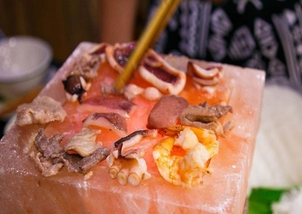Hải sản nướng đá