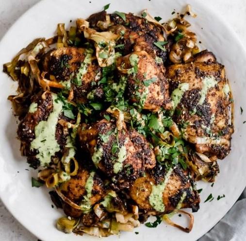WEEKNIGHT ROASTED ZA'ATAR CHICKEN WITH HERBED TAHINI & LEEKS #healthydinner #diet