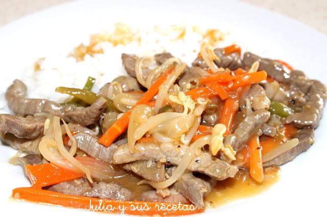 Ternera con brotes de soja china. Julia y sus recetas