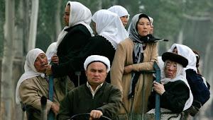 Kongres AS Sahkan UU HAM Uighur, Sanksi bagi China di Depan Mata