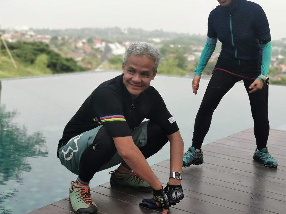 Mengaku Suka Nonton Film 'Dewasa', Gubernur Jateng: Salahnya di Mana?