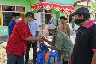 Gubernur Sambangi Warga Korban Angin Puting Beliung