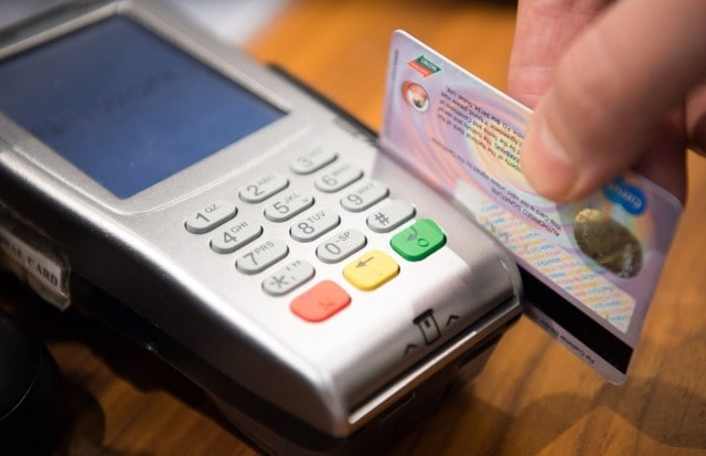 why businesses should accept credit cards pay debit card payments