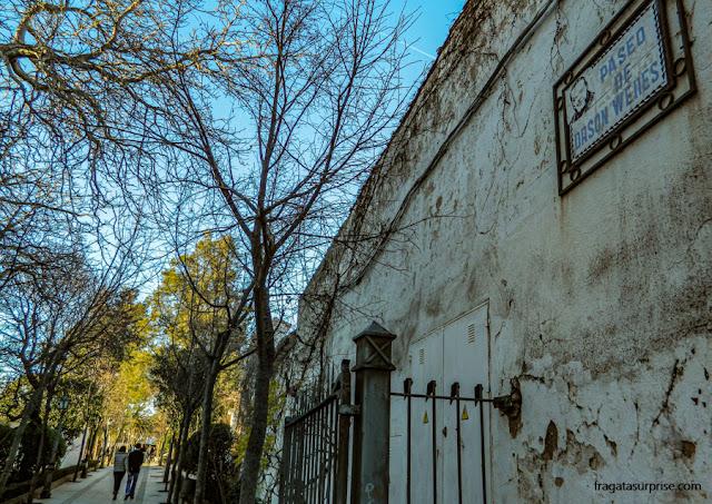 Passeio Orson Welles, um dos caminhos que corta os jardins da Alameda de Ronda