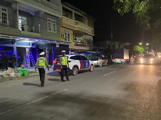 Satlantas Polres Enrekang Lakukan Patroli Malam, Berikan Himbauan Kamseltibcar Lantas