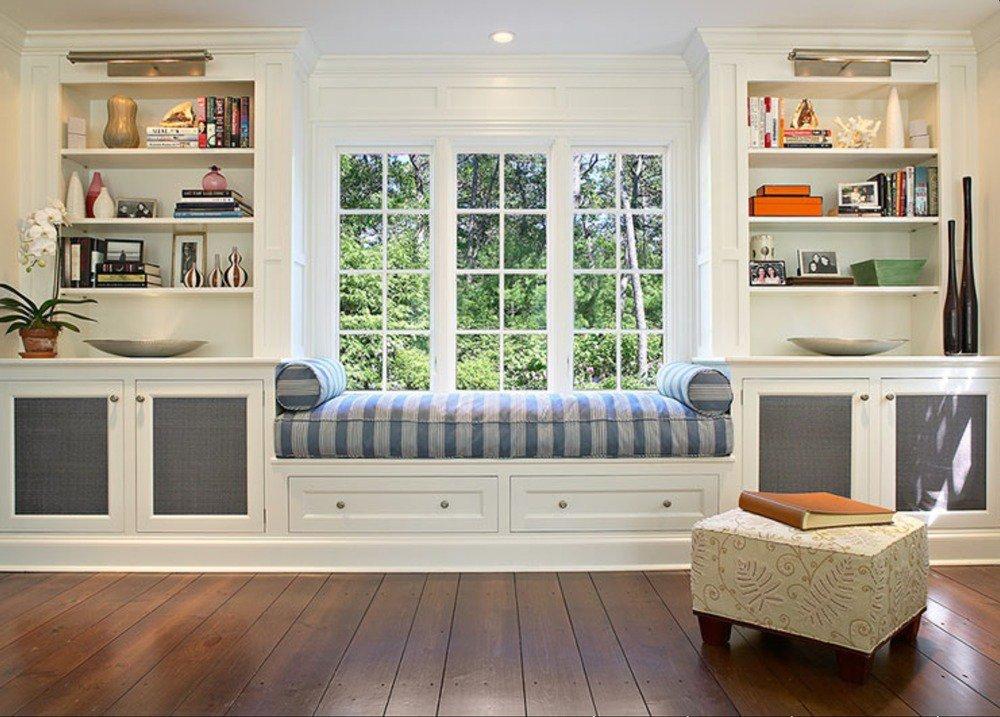 Подоконник-диван в дизайне интерьера.
