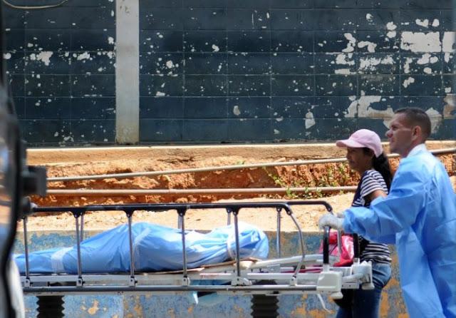 Se cayó de una camionetica repleta de pasajeros y murió en Carabobo