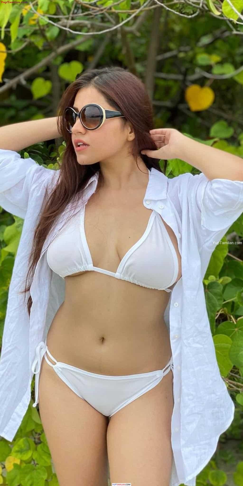 Instagram Model Symran Kaur Sexy in Bikini Photos