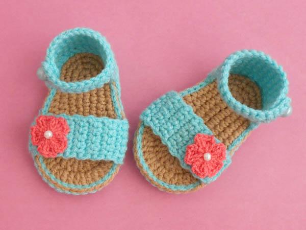 bcf97b7f56d62 Crochet - Crosia Free Patttern with Video Tutorials: Easy Baby ...