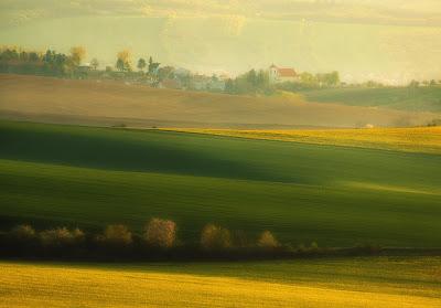 من أجمل الأماكن الطبيعية بالعالم :- منطقة مورافيا التشيكية 0_8535f_269cf43b_ori