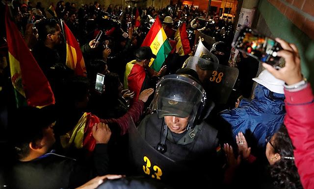 Policía boliviana se rebela contra el gobierno de Evo Morales