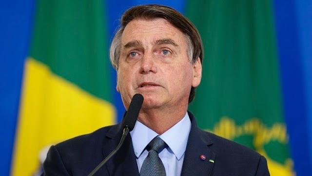 Bolsonaro nega interferência na Petrobras e critica Castello Branco