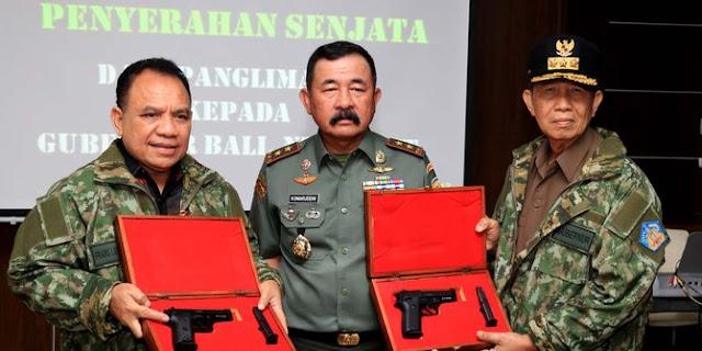 Gubernur Bali diberi Senjata Api oleh Pangdam Udayana