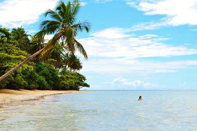 imagem da praia do moreré_ Ilha do Boipeba