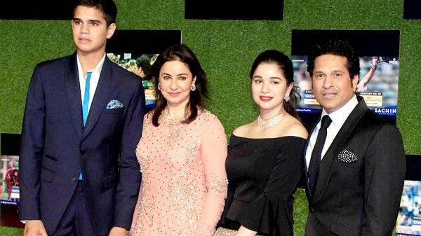 Anjali Tendulkar with Sara Arjun and Sachin Tendulkar