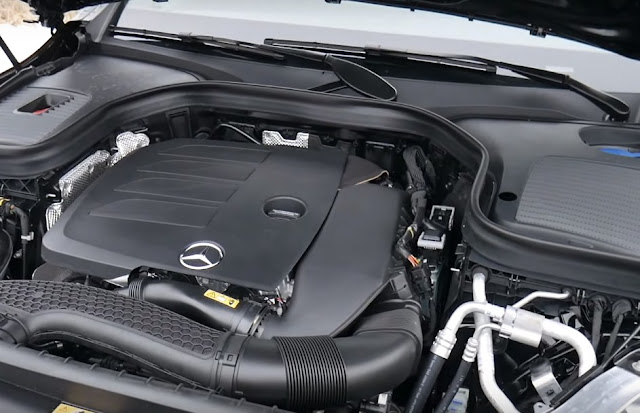 Mercedes-Benz-GLC300-4matic-engine