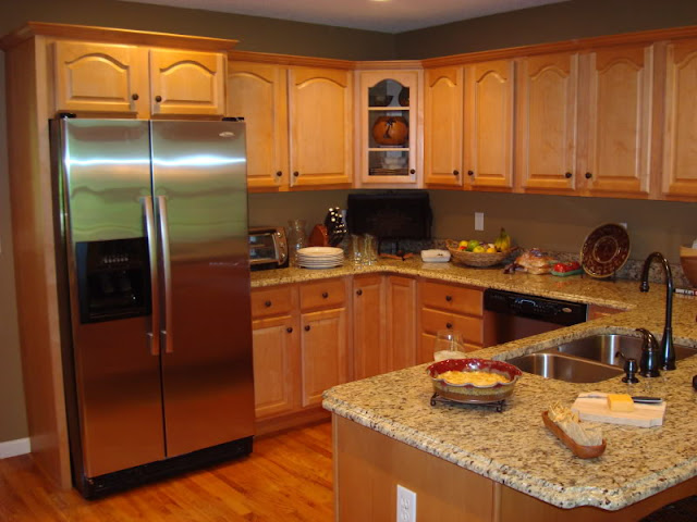 Wood kitchen styles with modern appliances and warm colors Wood kitchen styles with modern appliances and warm colors Wood 2Bkitchen 2Bstyles 2Bwith 2Bmodern 2Bappliances 2Band 2Bwarm 2Bcolors2