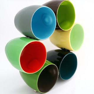 Muchas tazas muy creativas.