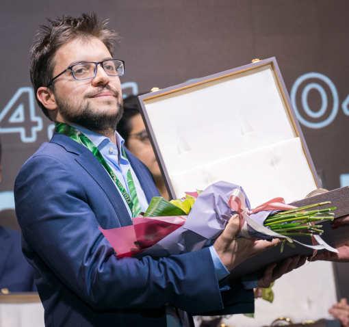 Médaille d'argent pour Maxime Vachier-Lagrave, le Français termine juste derrière Ian Nepomniachtchi