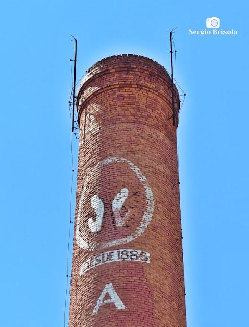 Close-up da Chaminé da antiga Companhia Antarctica Paulista - Mooca - São Paulo