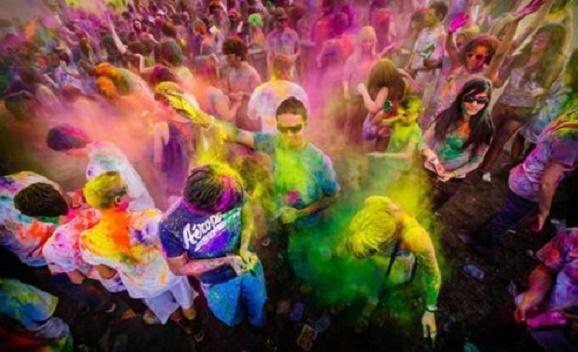 Google Doodle Hari Ini Festival Holi ; Kenali Di balik Perayaan Festival Holi di India