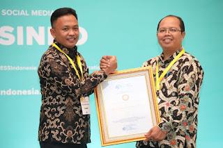 JAKARTA - Visioner, Bupati Bantaeng Terima penghargaan