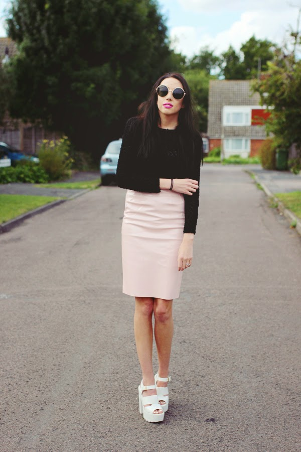fashion bloggers, fashion blog, style bloggers, top fashion bloggers, top fashion blogs, best fashion blogs, best fashion bloggers, cambridge fashion bloggers, cambridge blogger, PVC skirt, how to style PVC skirt, missy empire, affordable fashion bloggers, affordable fashion blog,
