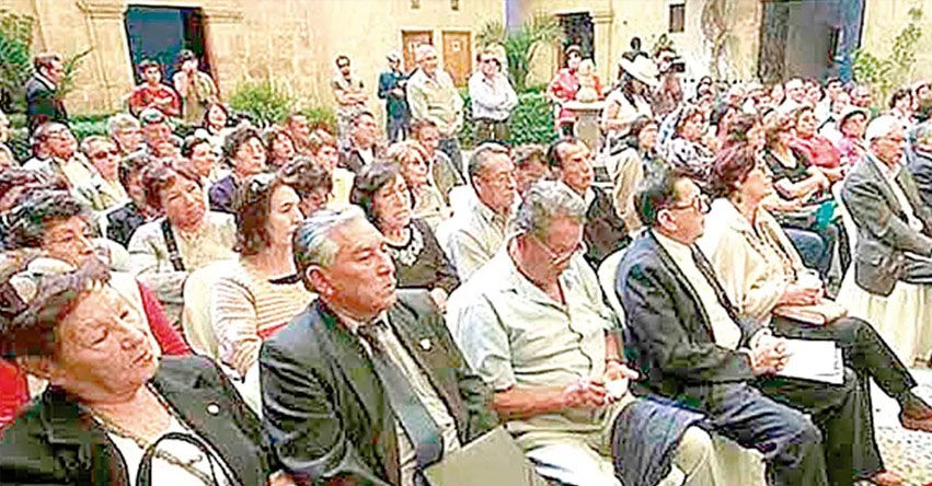 Más de 15 mil docentes esperan pago de la deuda social en Arequipa