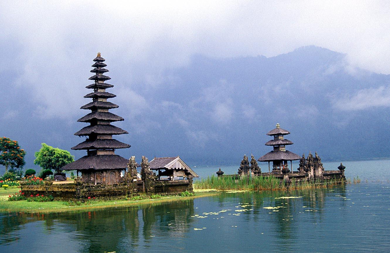 Lokasi Wisata Danau Beratan Bedugul Di Bali
