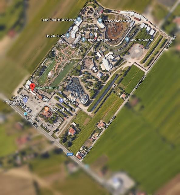 6866c56d9c0d2b Podróżując własnym samochodem trasą SS16 w kierunku Ravenny, zaledwie 10 km  od Rimini znajduje się park tematyczny Italia in Miniatura.