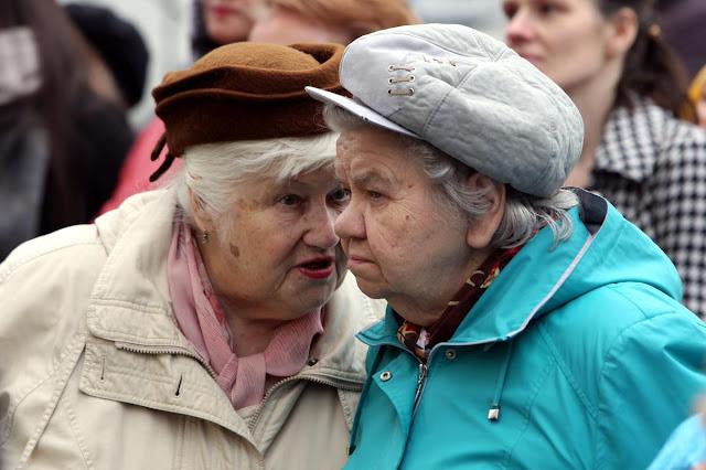 Получите ваши денежки! Малоимущим семьям выдадут по 30 000 р., пенсионерам – по 75 000 р.