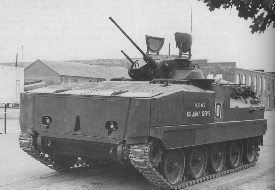 БМП М2 Бредлі – бойова машина з генеральським ім'ям