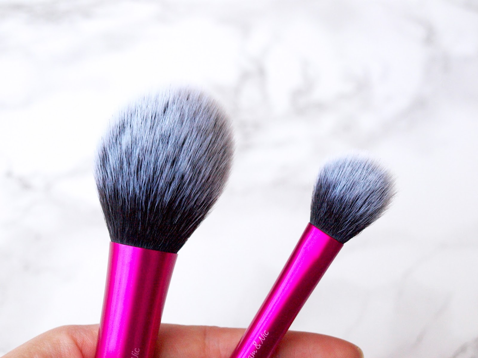 Real Techniques Blush Brush Pink Daftar Harga Terbaik Terkini Dan 1407 The Im Reviewing Here Is A Perfect All Rounder That