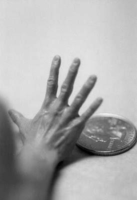 Escultura  hiperrealistas de mano