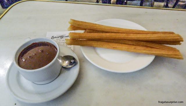 Chocolate com churros da Chocolateria San Ginés, Madri