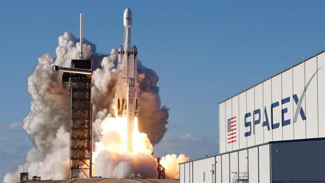 जानिए क्या हैं। SpaceX और इसके संस्थापक एलोन मस्क के बारे में