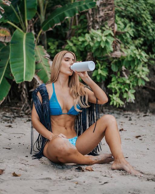 Karina Campos Legs
