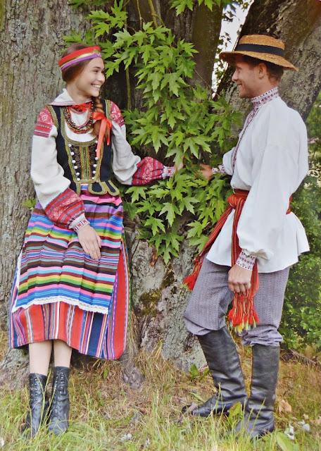 Belarus festive folk costumes