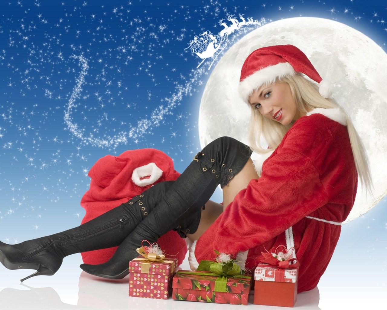 beautiful girls in santa costume