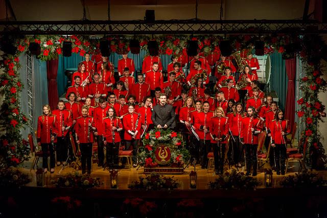 Αποτέλεσμα εικόνας για Ο Δήμος αποχαιρέτησε το 2019  με τη Φιλαρμονική Ορχήστρα