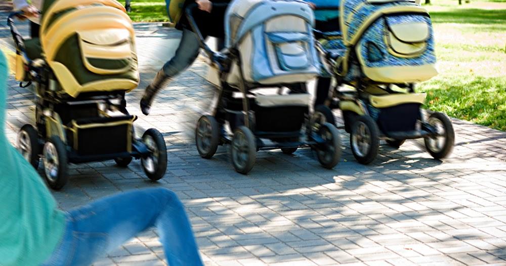 Polizei-beendet-illegales-Kinderwagenrennen-in-Prenzlauer-Berg