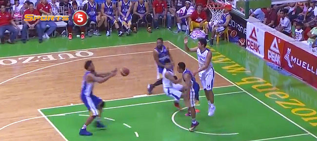Jay Washington with the MONSTER Throwdown vs Gilas (VIDEO)