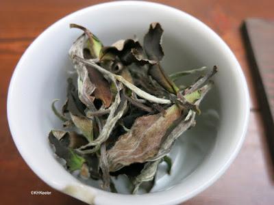 unroasted tea leaves