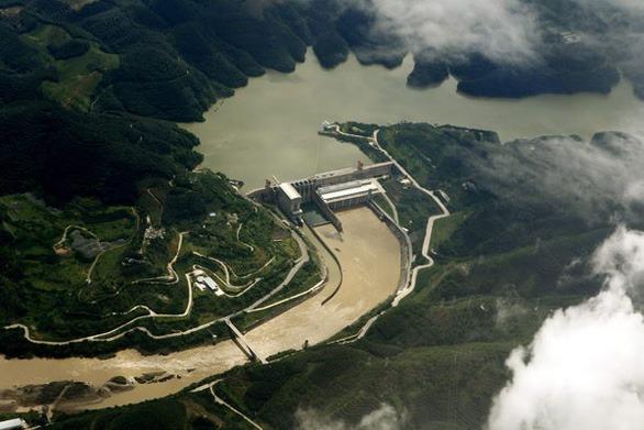 Ác nghiệp: 8 đập Trung Quốc chặn 40 tỉ m3 nước sông Mekong khiến mức nước xuống thấp kỷ lục