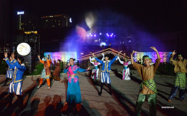 The outdoor performance by the crew from Melaka Alive