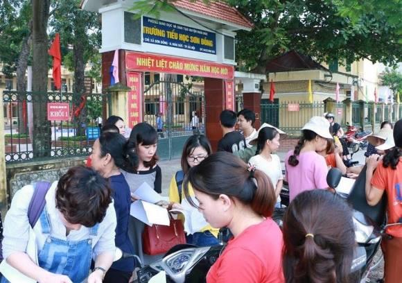 Nhiều phụ huynh Trường tiểu học Sơn Đồng bức xúc