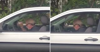 Παππούς «κοπανιέται» ακούγοντας Metallica μέσα στο αμάξι του και μας εμπνέει