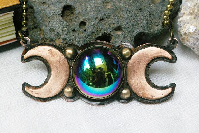 https://www.etsy.com/ca/listing/697274536/triple-moon-vintage-oilslick-czech-glass