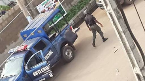 Robbery Suspects In Army Uniform Escape From Police Custody
