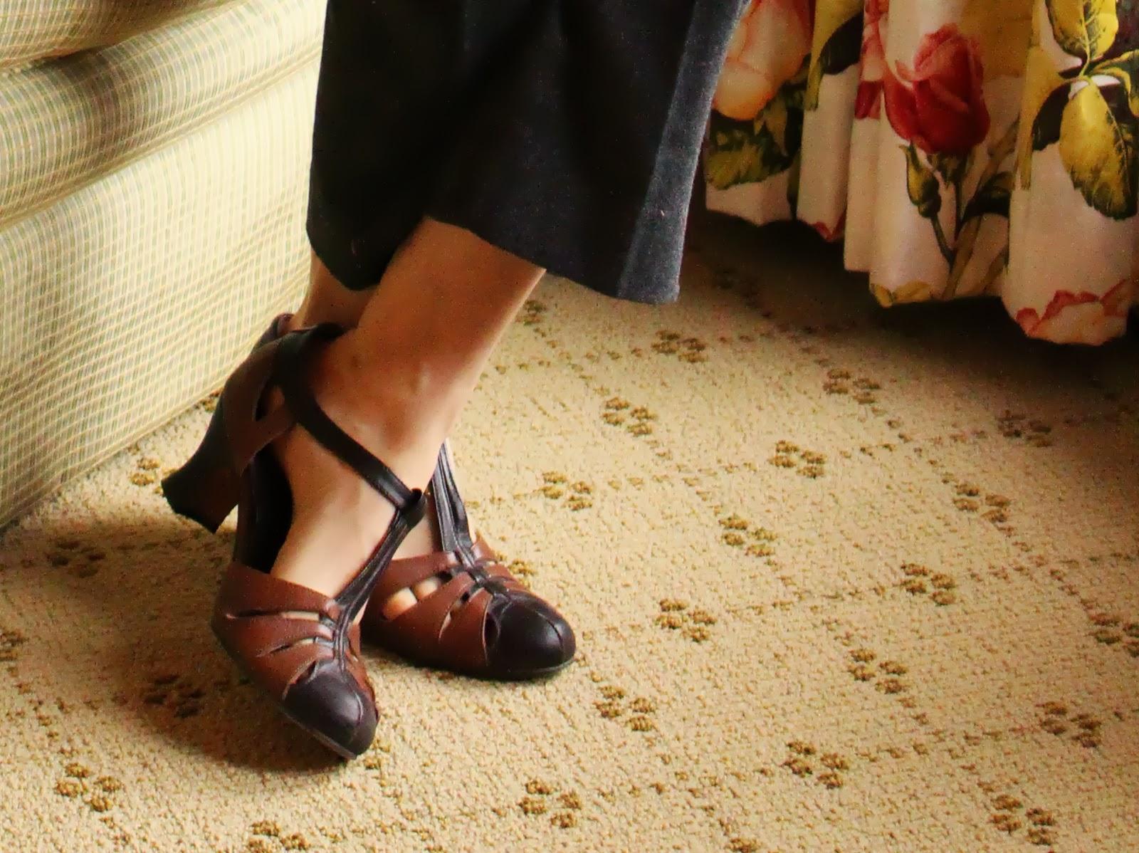 b7f614a8ff2749 Reproduction 1930s heels  dance  shoes  heels  1930s